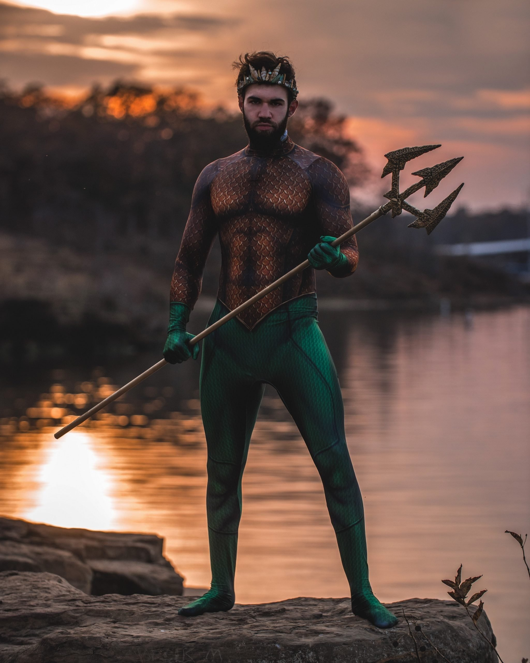 Man dressed like Aquaman